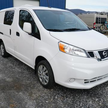 NV200 passanger side exterior