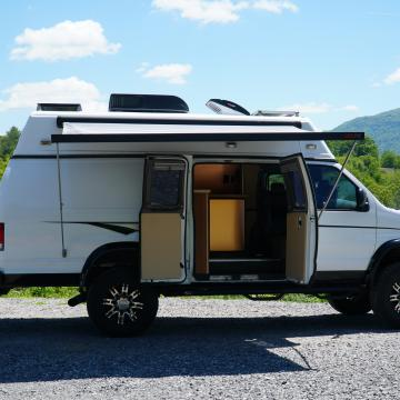 Ford E-series camper