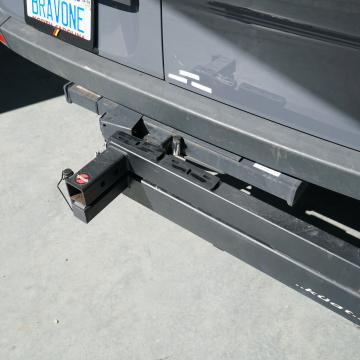 Rear swing away hitch