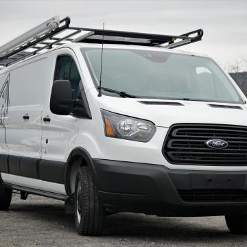 Fiamma awning mounted to Vantech rack